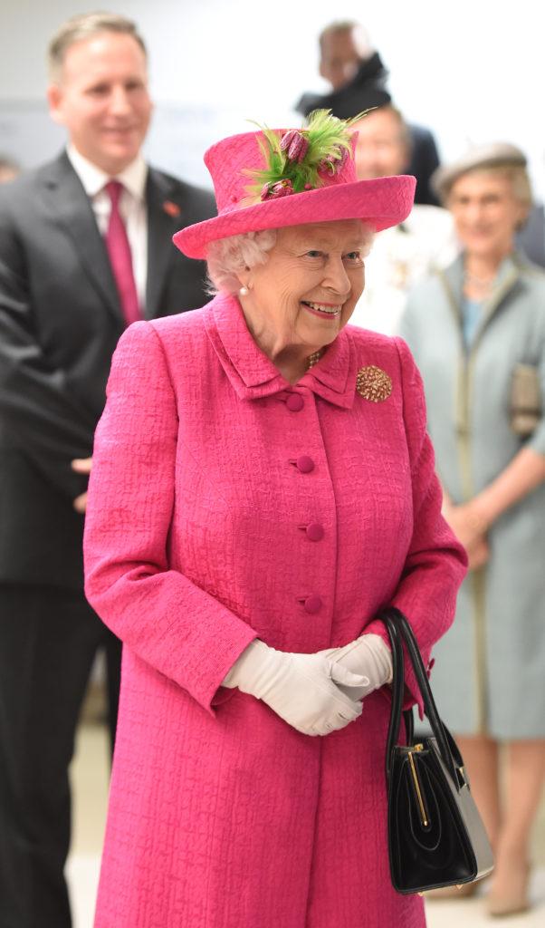 Серьёзные цифры: сколько зарабатывают члены королевской семьи?