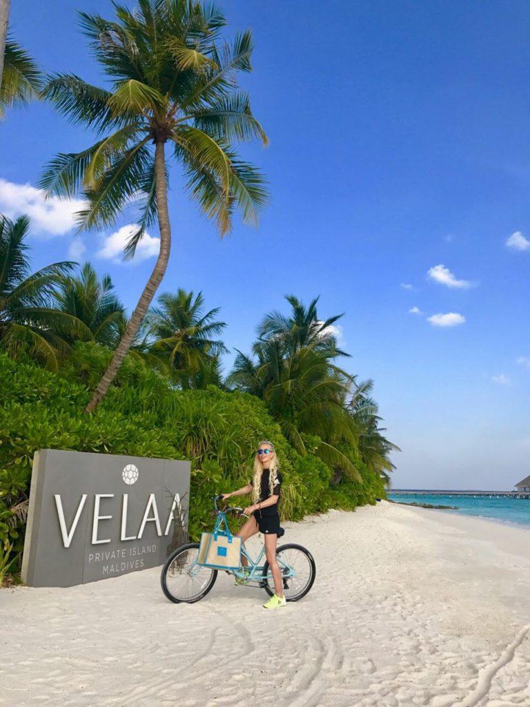 Поиграть в теннис на единственном крытом корте на Мальдивах, в отеле Velaa.