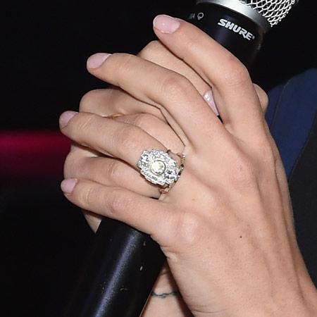Помолвочное кольцо от Ромена Дориака