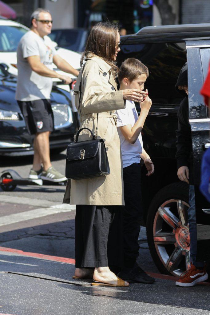 Анджелина Джоли с детьми, Фото legion-media