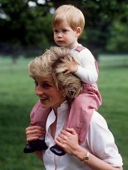 Принц Гарри и принцесса Диана