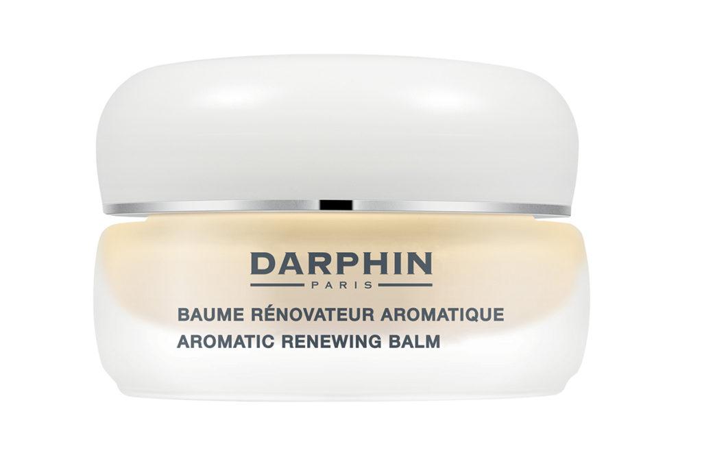 Крем Dauphin из коллекции Melaperfect с ланоленовой кислотой, витаминами С и Е  способствует уменьшению видимости существующих пигментных пятен и предотвращению появления новых