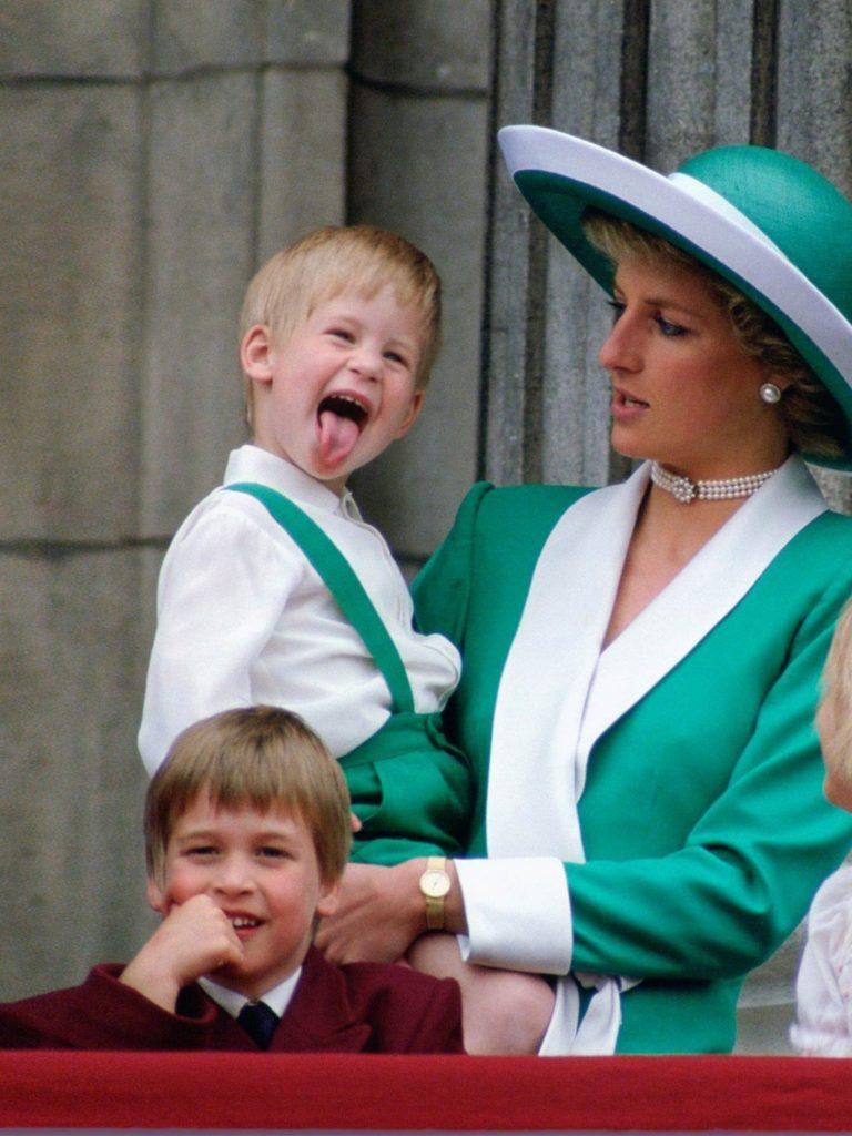 Принц Гарри и Уильям и принцесса Диана