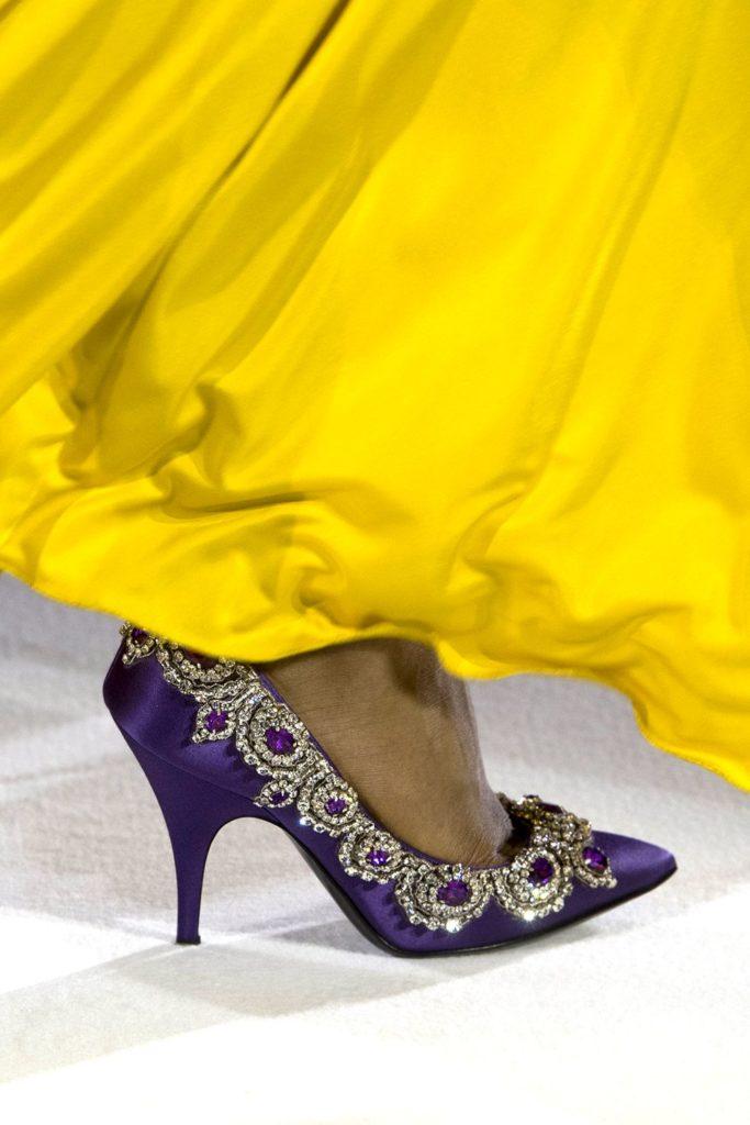 Обувь со стразами и камнями (Moschino)