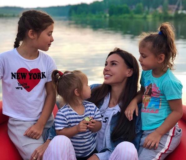 Оксана Самойлова рассказала, как узнала о четвертой беременности