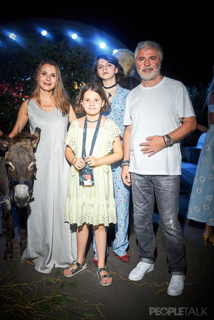 Сосо Павлиашвили с супругой Ириной и дочерьми