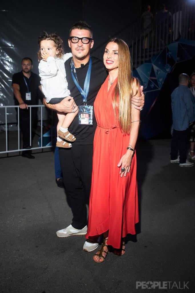 Антон и Юлия Беляевы с сыном
