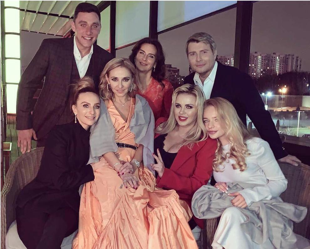 Николай Чоулз с семьей