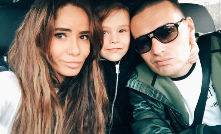 Айза Анохина и Гуф с сыном Сэмом / фото: Instagram @aizalovesam