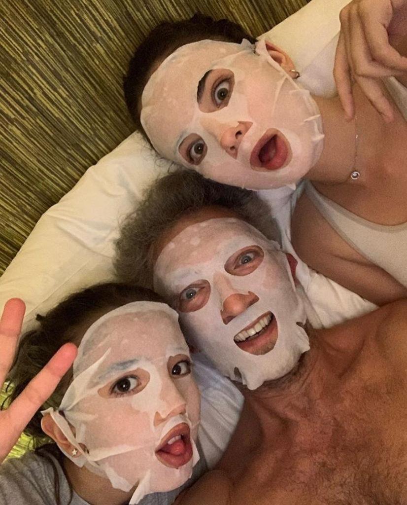 Венсан Кассель с дочками Девой и Леони