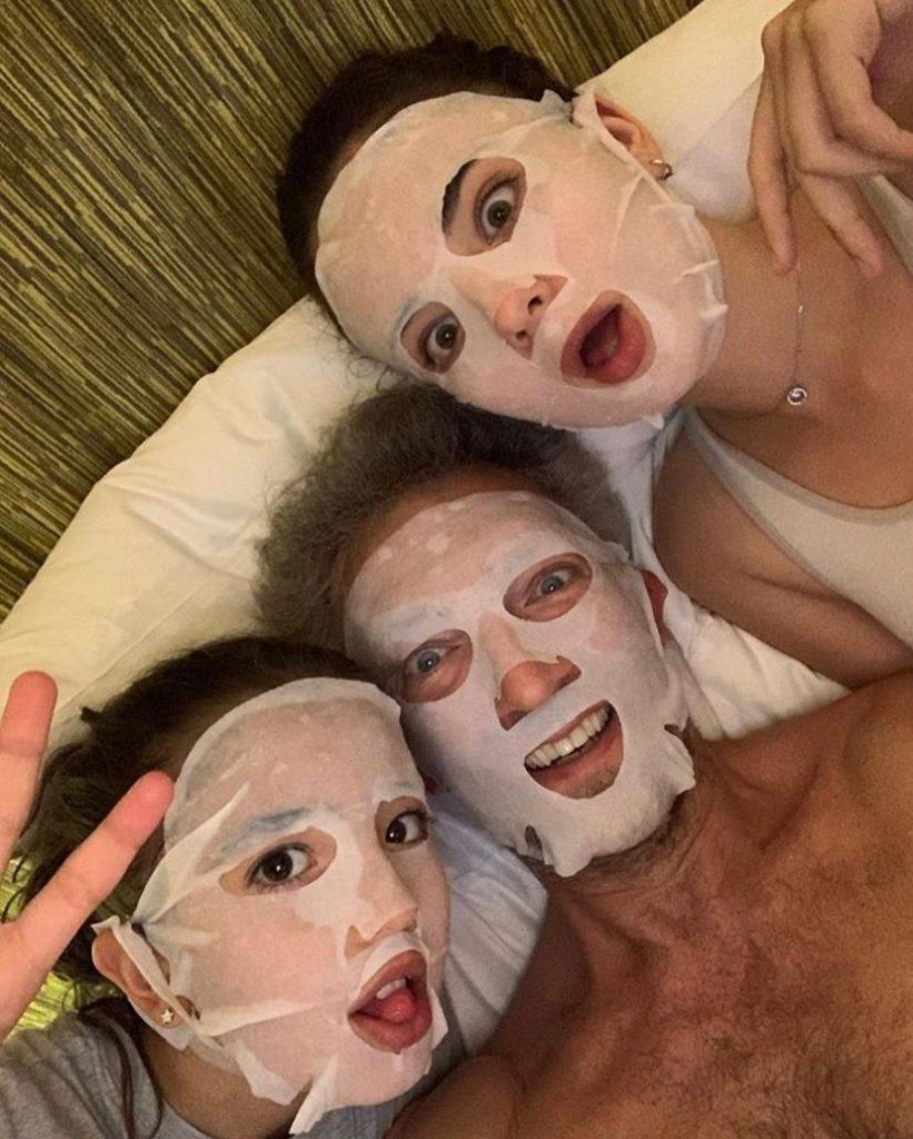 Венсан Кассель с дочками