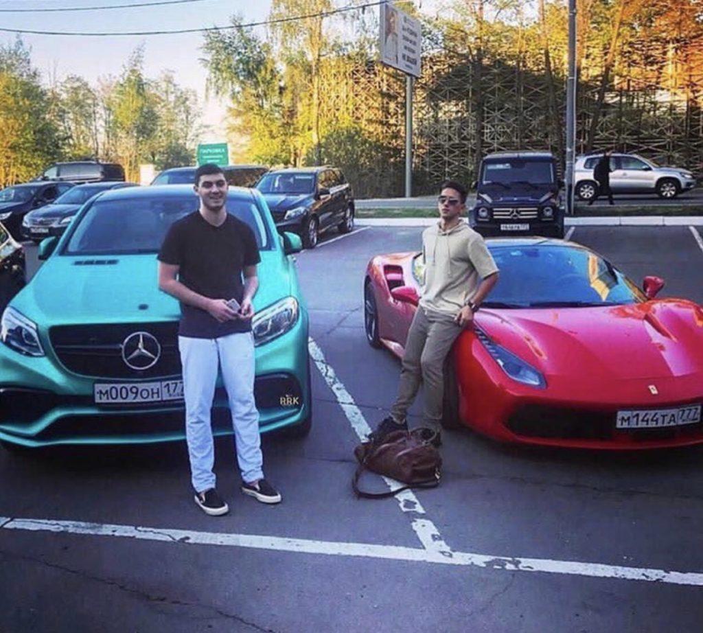 Самые дорогие машины: на чем ездят дети звезд - PEOPLETALK