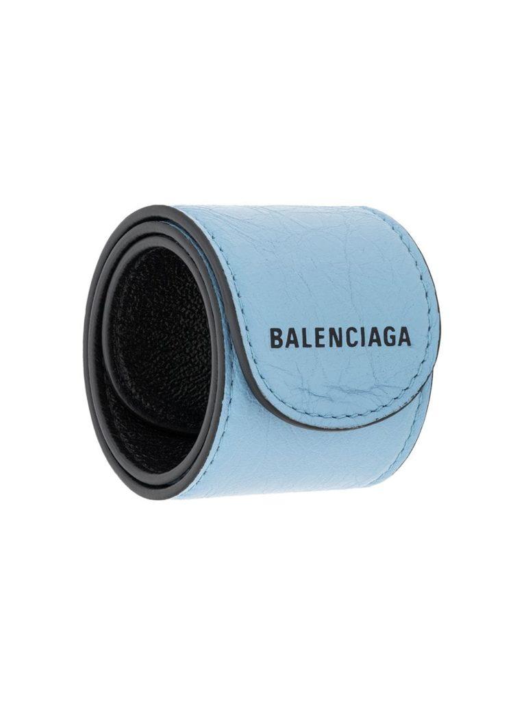 Balenciaga, 13000 p. (farfetch.com)