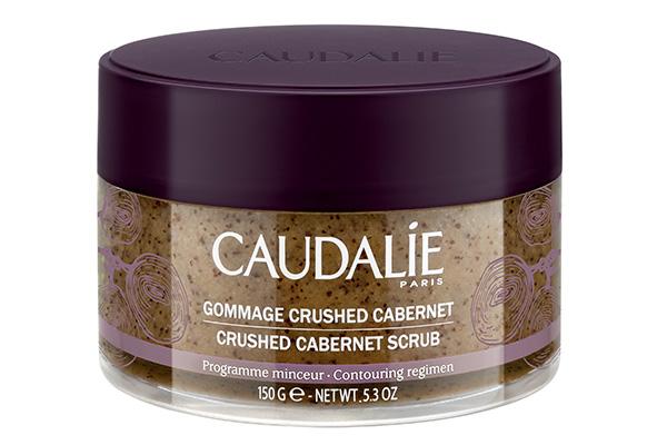 Скраб для тела Cabernet, Caudalie, 2960 р. Дробленые косточки винограда мягко отшелушивают и массируют кожу. Для профилактики целлюлита – маст-хэв.