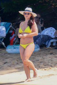 Бритни Спирс в бикини. Фанаты критикуют ее фигуру!