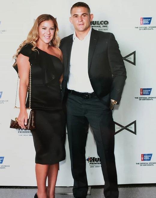Дастин Порье с женой