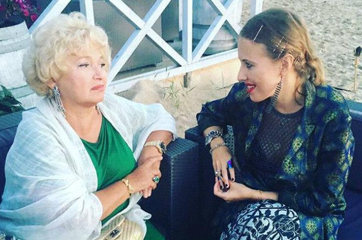 Что мама Ксении Собчак думает о Констатине Богомолове, откровенном танце дочери на свадьбе и их поездке на катафалке в ЗАГС