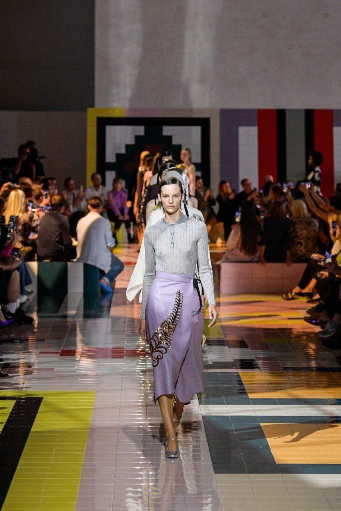 Кайя Гербер и Джиджи Хадид на показе Prada в Милане!
