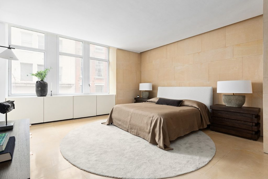 «Здравствуйте, можно оформить кредит?» В Нью-Йорке продается квартира Канье Уэста!