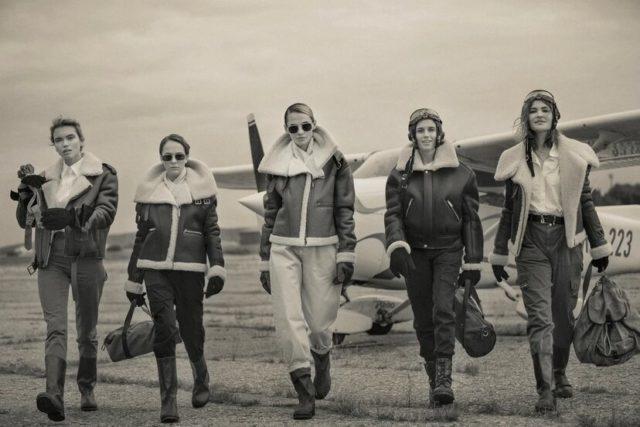 Это очень красиво! Аглая Тарасова, Дарья Мельникова, Дарья Чаруша и Валерия Дергилева в образах летчиц