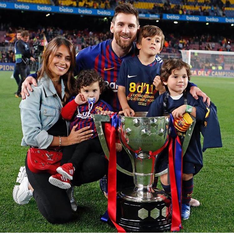 Самые красивые и известные жены футболистов - фото на PEOPLETALK