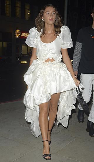 Who wore it better: дочь Джуда Лоу или Жоли Элиен? Голосуй!