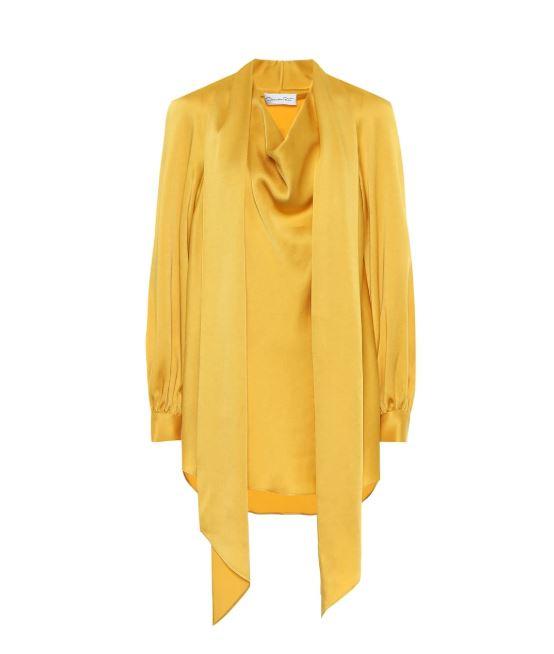 Желтый шелк становится модным этой осенью и пробудет с нами, как миинимум, до следующего лета; Oscar De La Renta, €935 (mytheresa.com)