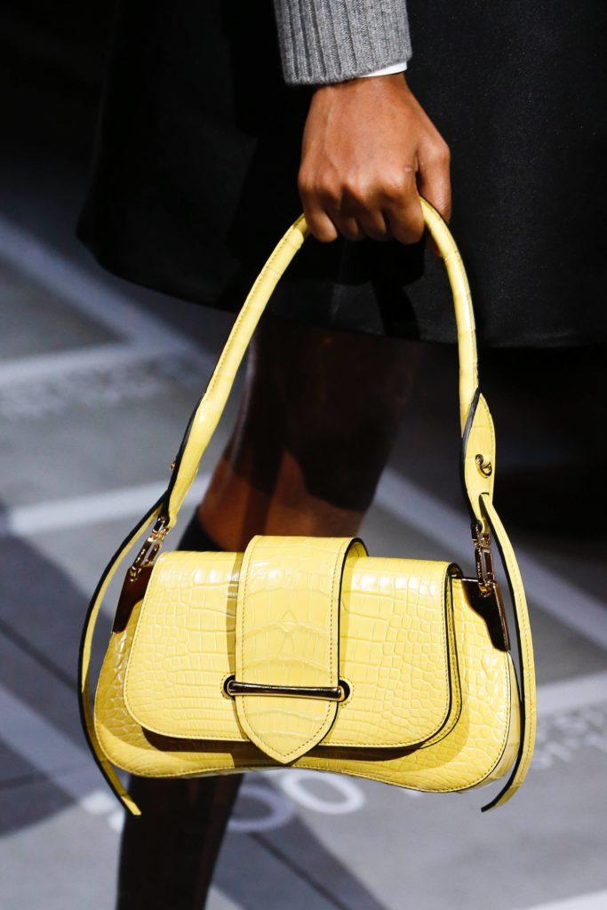 Prada Sidonie Bag - еще одна мини-сумка в духе 90-х, которая отличилась в этом году