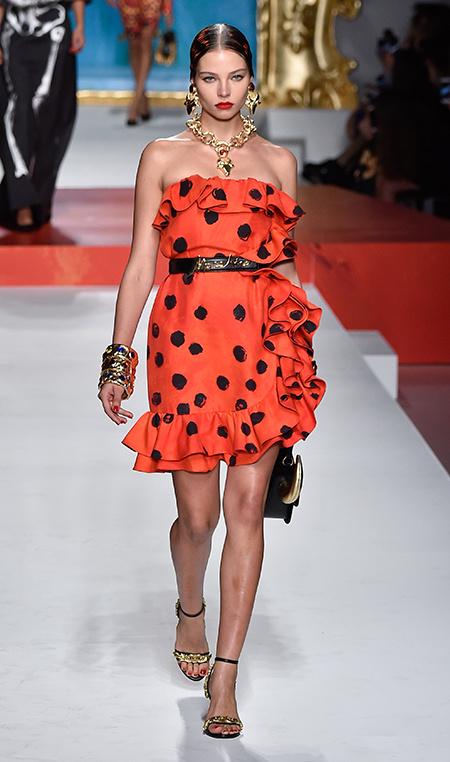 Очень круто! Алеся Кафельникова на показе Chanel в Париже