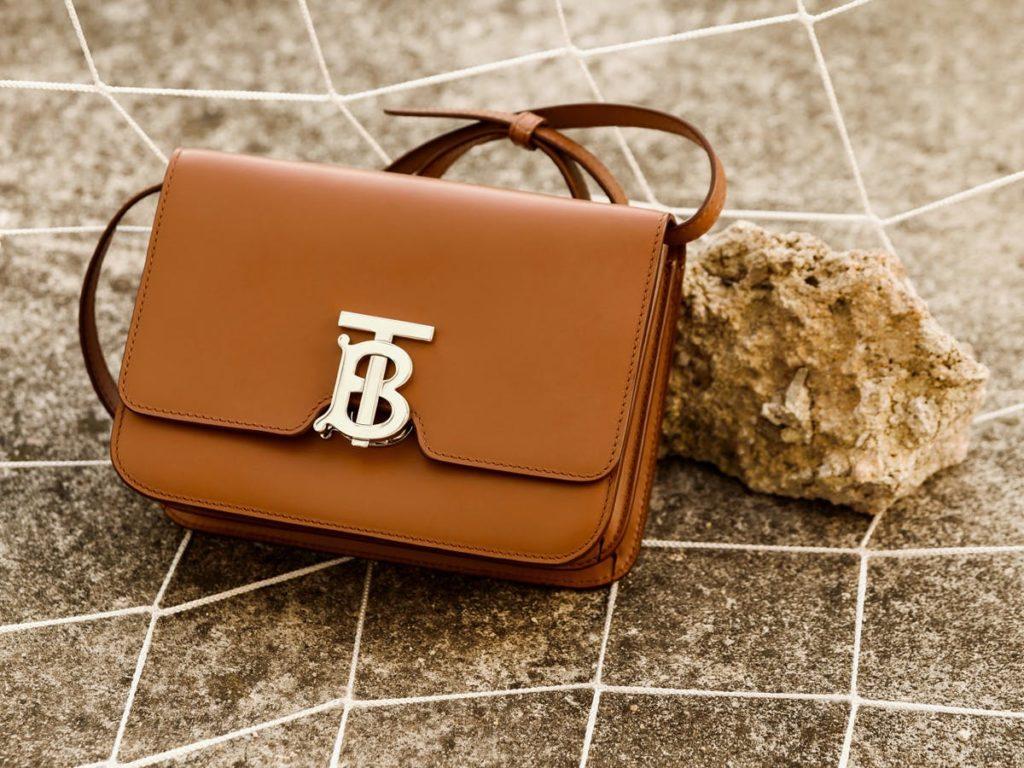A TB bag - творение Риккардо Тиши для Burberry. Названа эта малышка в честь Томаса Берберри - основателя бренда.