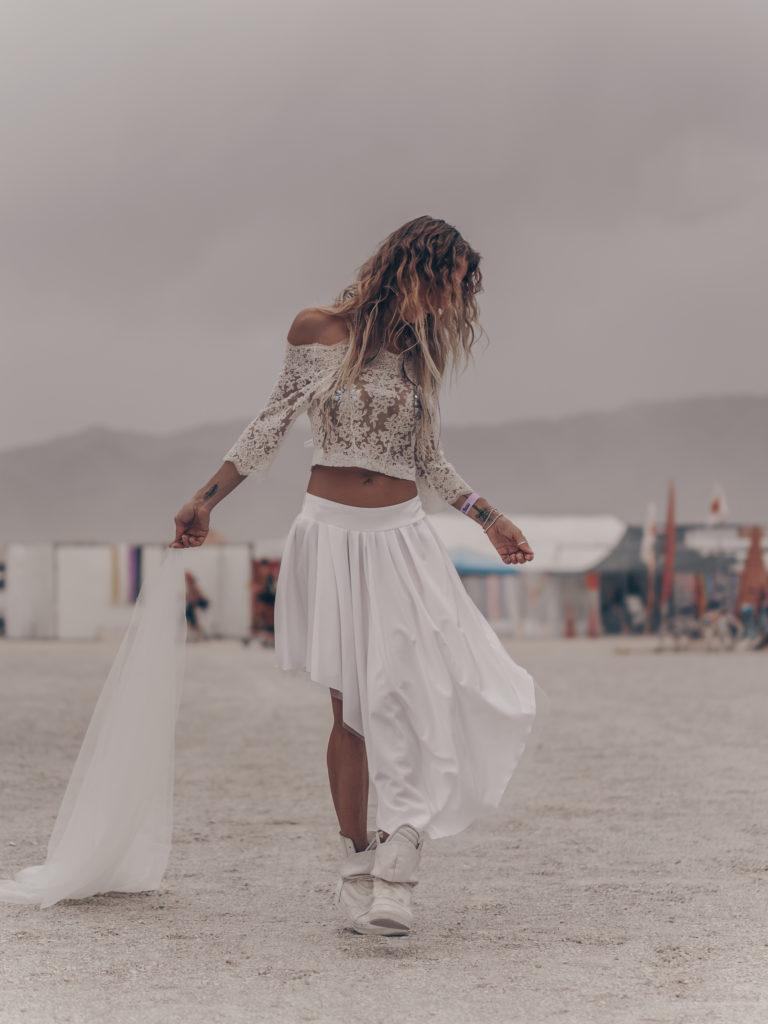 Эксклюзив. Сколько стоит свадьба на фестивале Burning Man?