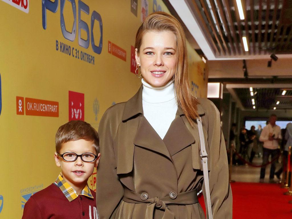 Звезды с детьми на премьере фильма «Робо»