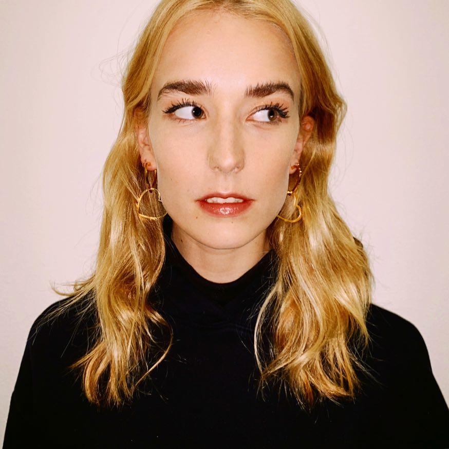 Как выглядит сестра Дакоты Джонсон?