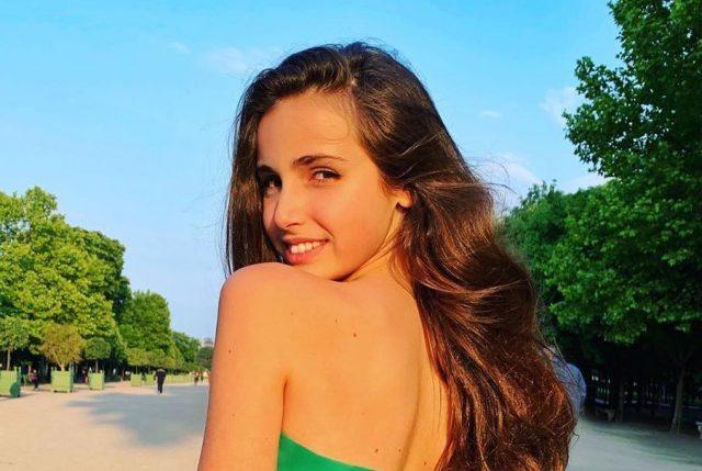 Привет из Майами! 13-летняя Тоня Худякова выложила фотографию в бикини