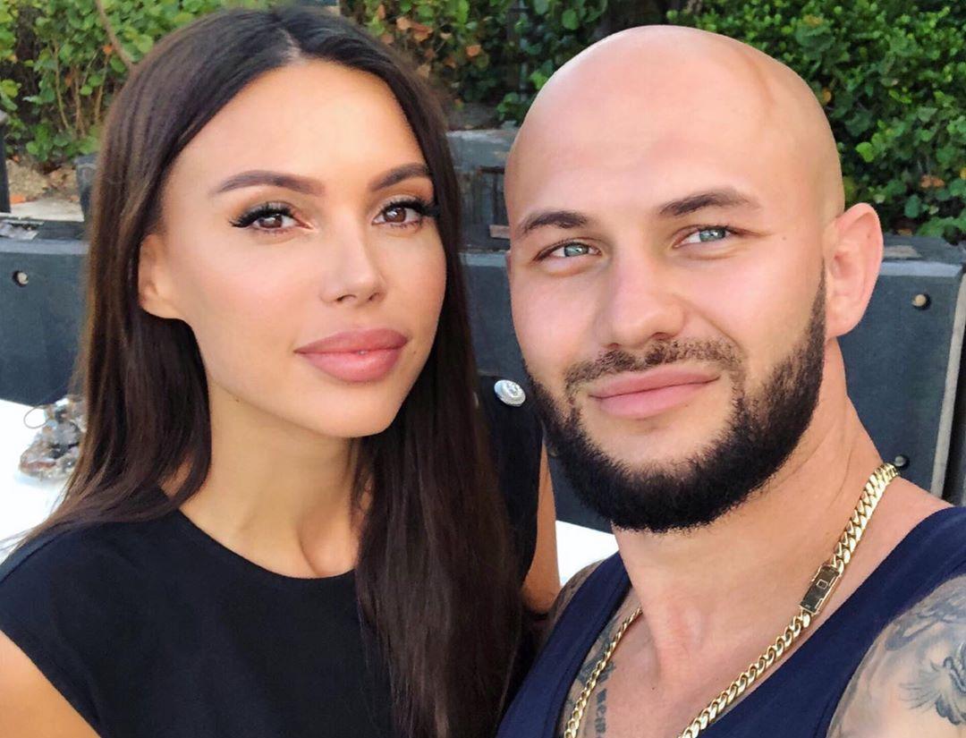 Оксану Самойлову и Джигана заметили в аэропорту Майами