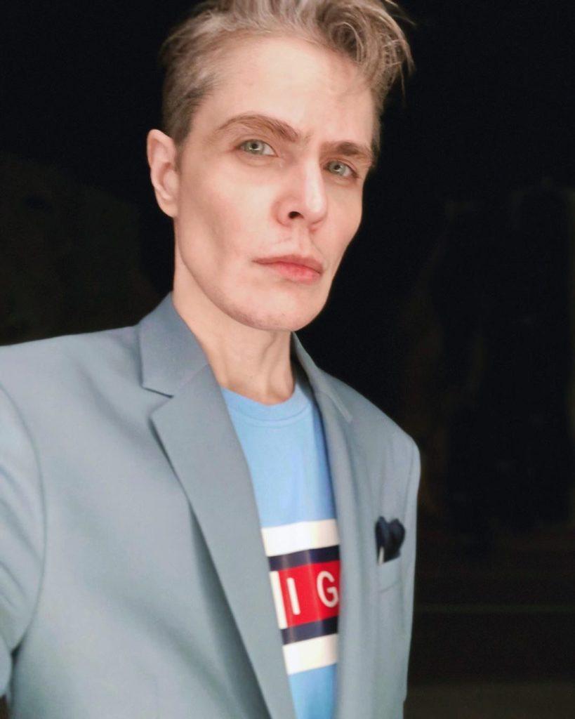 Победительница 15-й «Битвы экстрасенсов» выложила фото в белье и сделала заявление