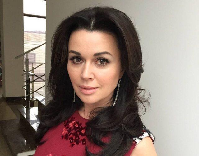 Семья Анастасии Заворотнюк опровергла новые слухи о ее состоянии