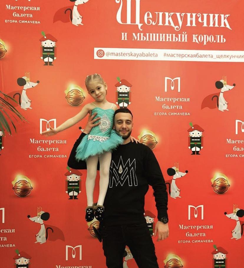 Милота! Топ самых классных фотографий брата Тимати и Алисы