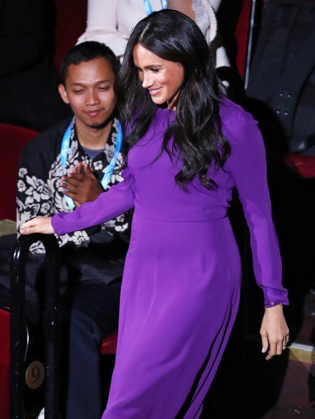 Фиолетовый в моде. Где купить такое же платье, как у Меган Маркл?
