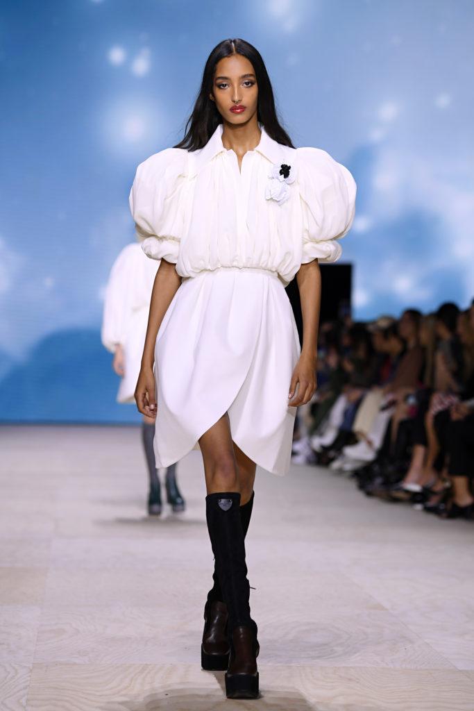 Джастин Тимберлейк, Джессика Бил и Хлоя Морец на показе Louis Vuitton
