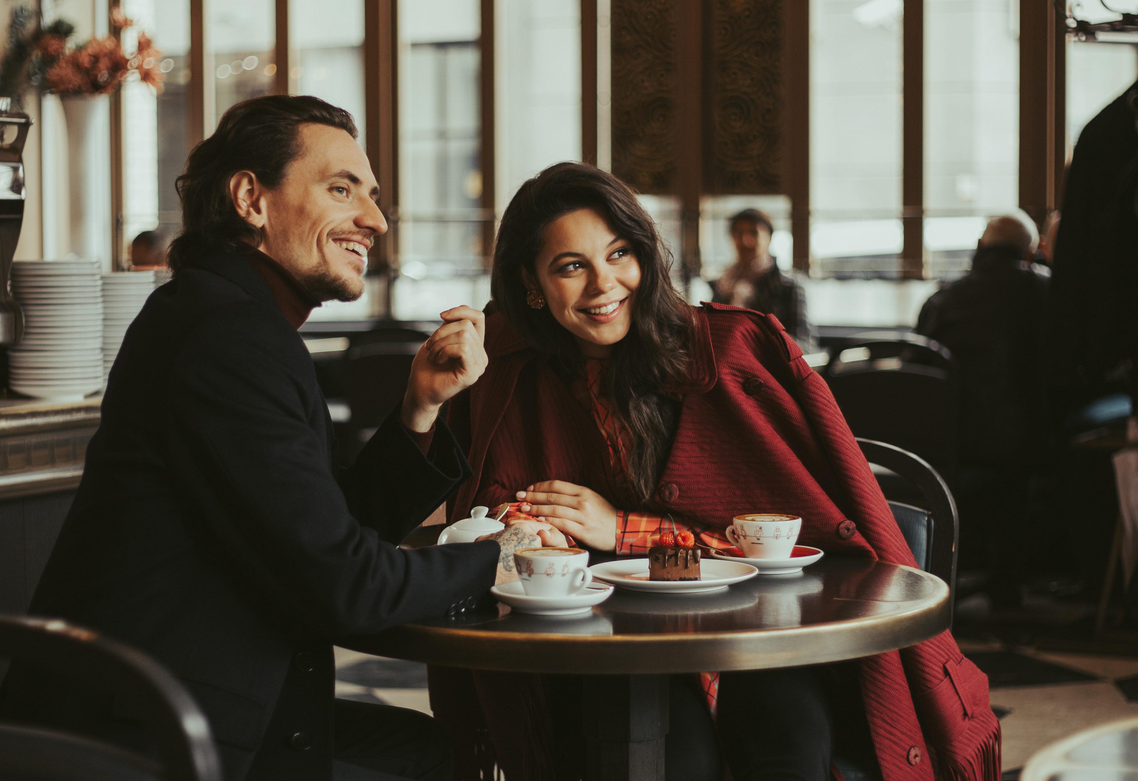 История любви Елены Ильиных и Сергея Полунина в очень крутой рекламе косметики. Тебе понравится!