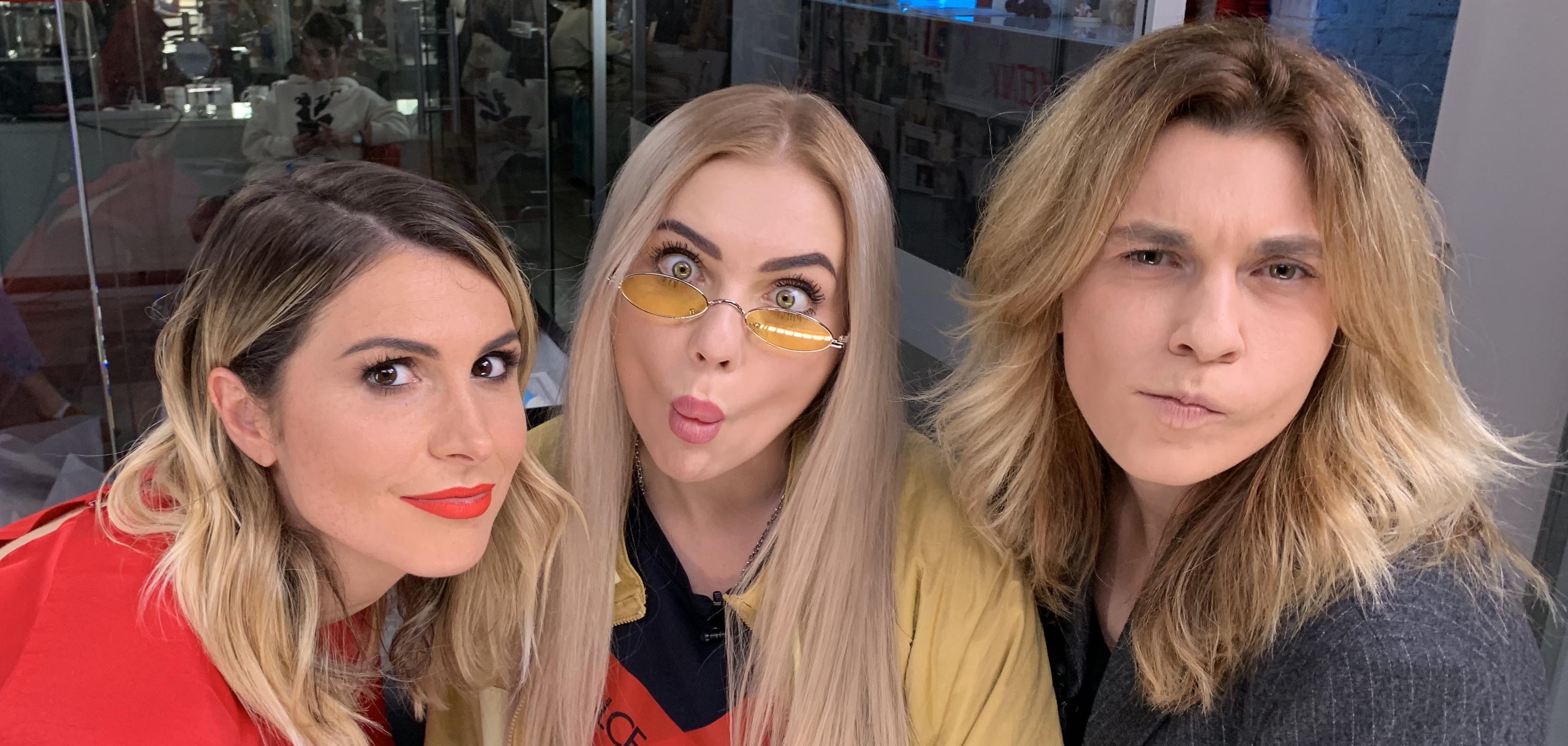 Блогер Карина Кросс о том, сколько зарабатывает, зачем рожала в такси и как ее разыграли друзья