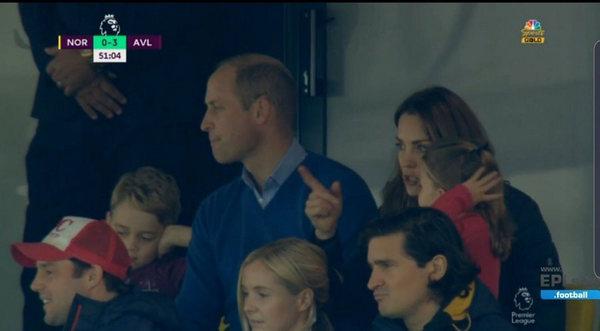Самые крутые болельщики: Кейт Миддлтон и принц Уильям на футбольном матче с детьми!