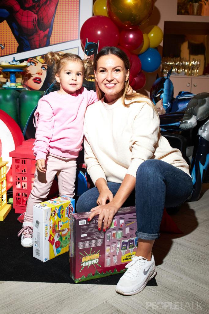 Юлия Колядина с дочерью
