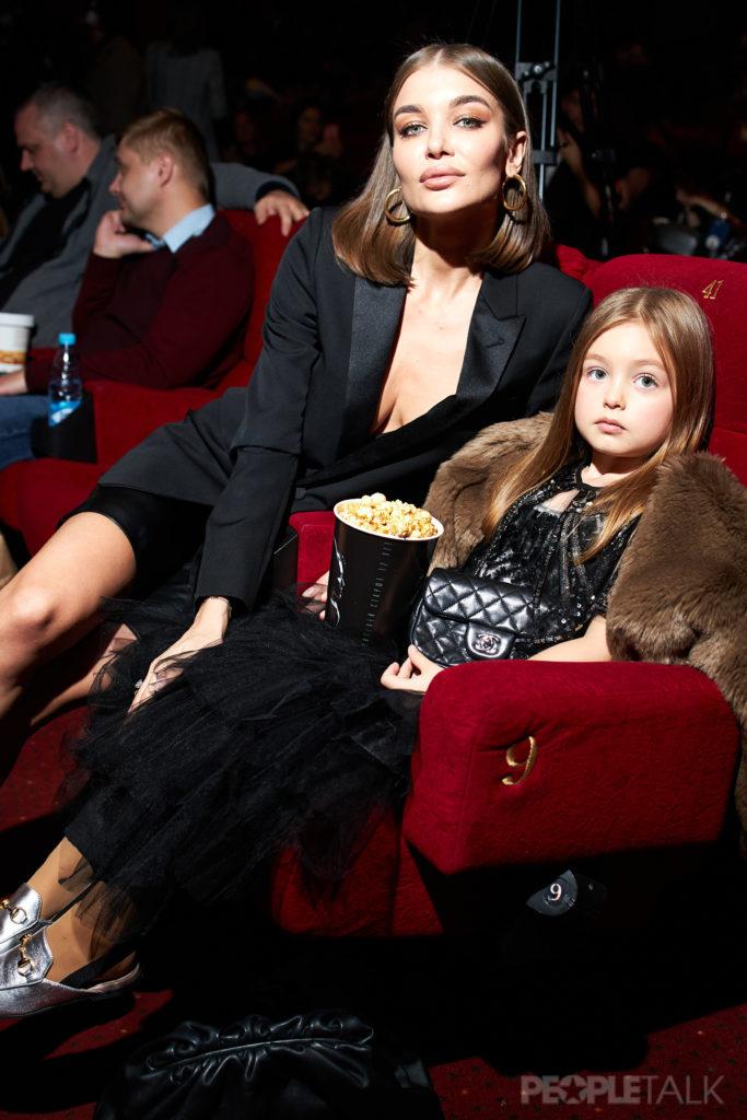 Мишель Пфайффер, Мария Кожевникова и Оксана Акиньшина на премьере фильма «Малефисента: Владычица тьмы»