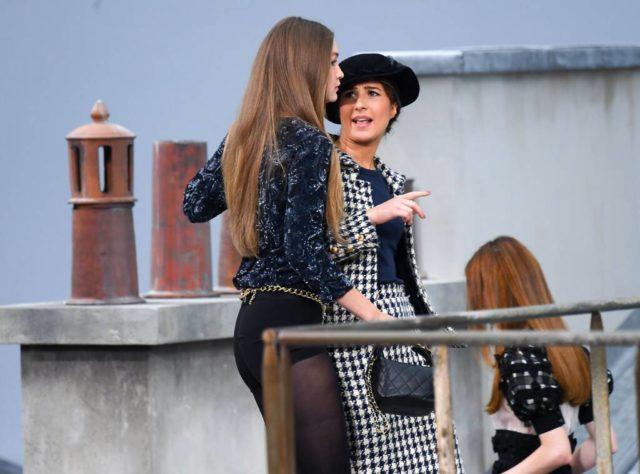 Мы ждали! Девушка, ворвавшаяся на показ Chanel, впервые прокомментировала свой пранк
