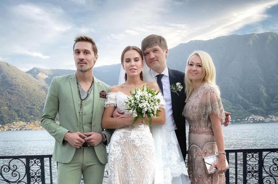 Запрет на селфи, платье за миллионы и роскошная вилла на озере Комо: как прошла свадьба Дарьи Клюкиной?
