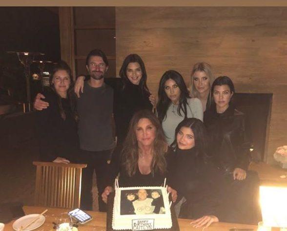 Мы в шоке! Почему Хлои Кардашьян не пришла на день рождения Кейтлин Дженнер?