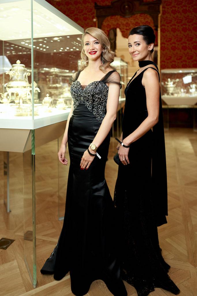 Юлианна Караулова, Яна Рудковская и Виктория Шелягова на балу в честь 10-летия ювелирного ДомаAXENOFF