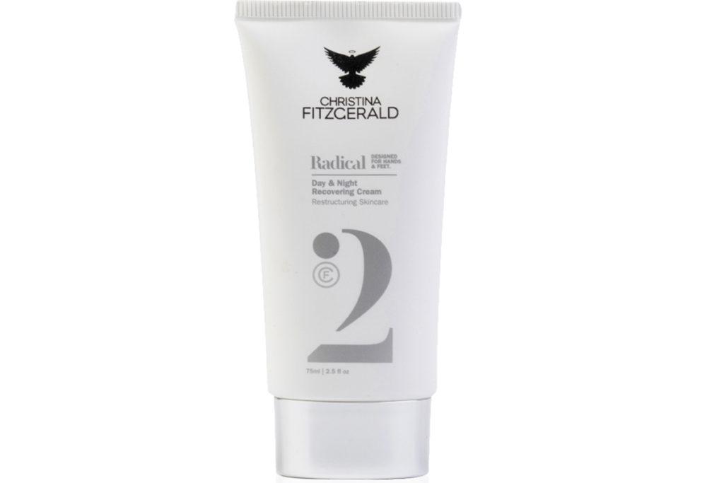 Крем для рук Radical Day & Night Recovering Cream Christina Fitzgerald восстановит кожу, сделает ее мягкой и нежной, поможет забыть о суровых осенних буднях. 2250 р.